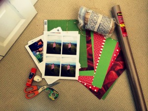 DIY Christmas Wrap Photo Label Supplies