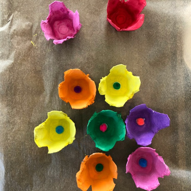 This beautiful kid craft is a great idea for gifts.