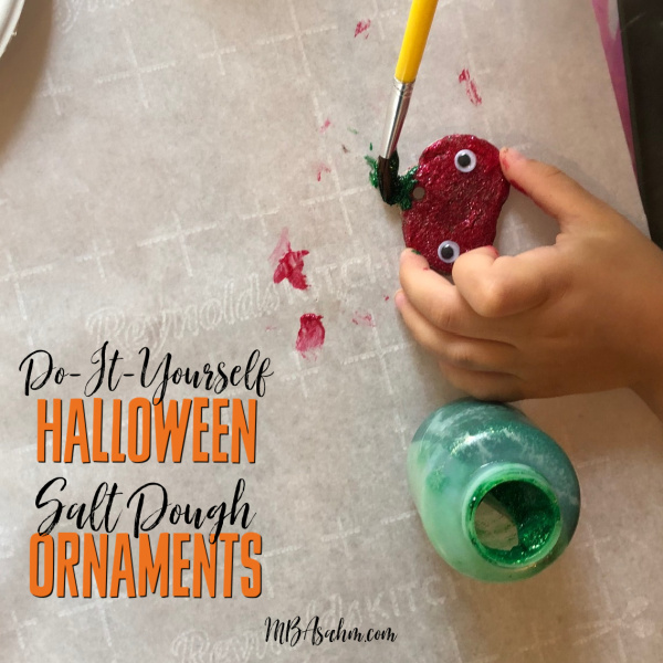 Painting these salt dough ornaments is such a great Halloween activity for the kids!